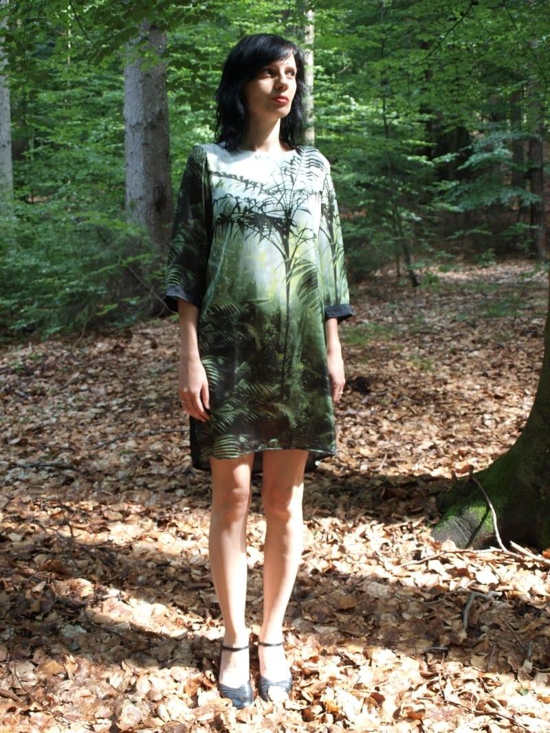sukienka w drzewa