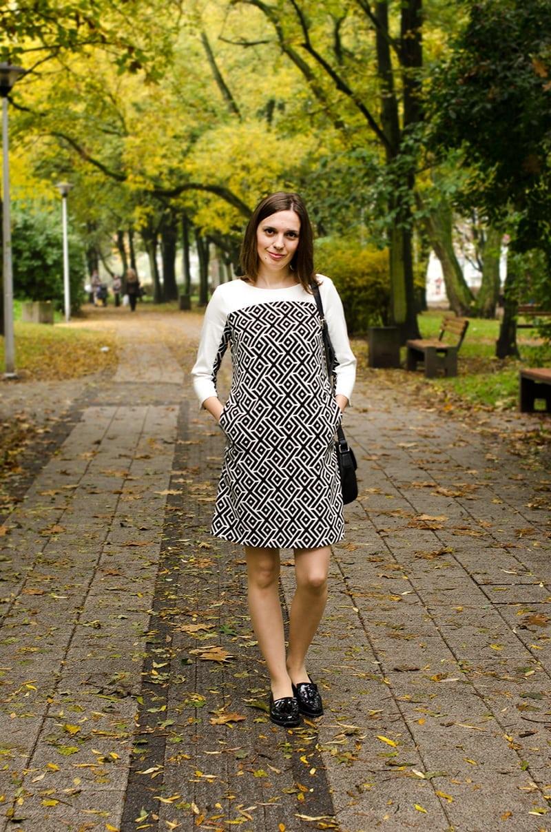 sukienka i mokasyny
