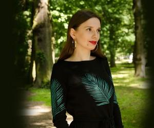 sukienka w zielone liście palmowe